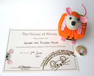 Topo Halloween di The House of Mouse con certificato