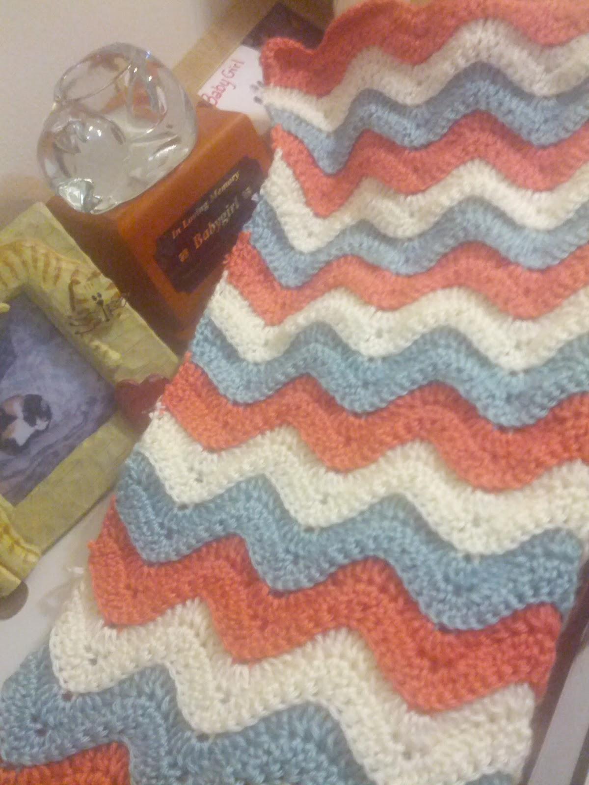 Reversible Ridged Ripple Crochet Baby Blanket