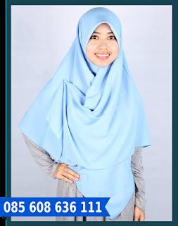 Hijab segi empat yang simpel