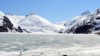 Portage Glacier picture in May