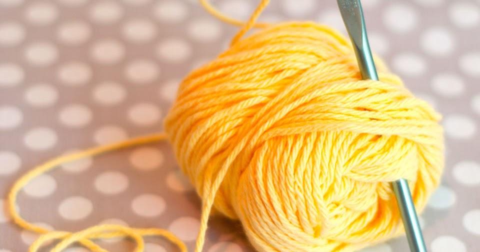 Aesthetic Nest: How to Crochet 1: The Slip Knot (Tutorial)
