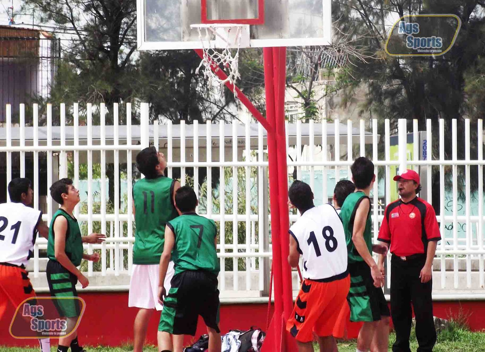 Semifinales y Cuartos de Final Liga Dominical Baloncesto 2012 ...