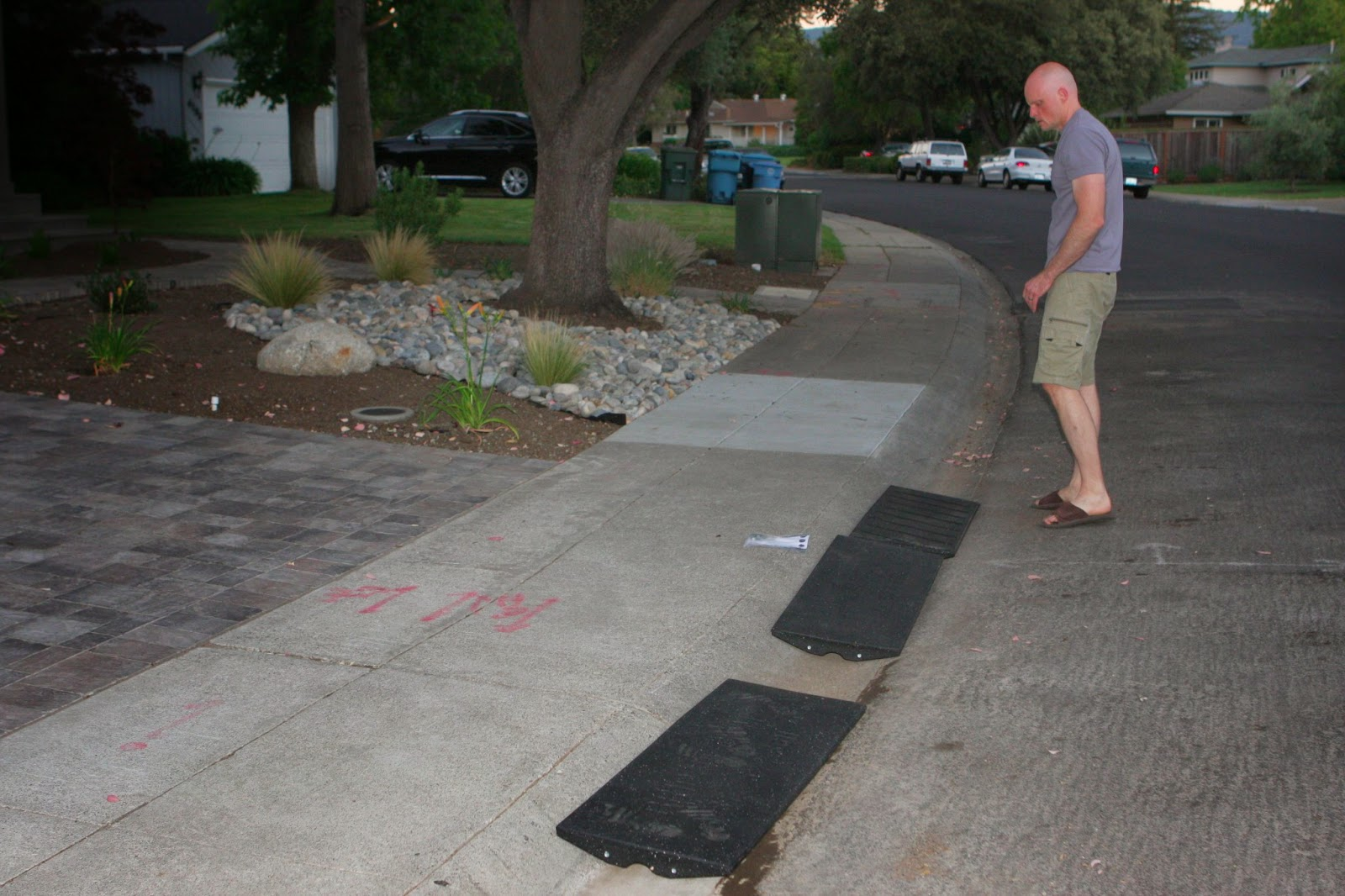 Homecrunch a quick and easy driveway apron thumbs up for the made out of recycled tires the ramps have just enough flex to accommodate the curve in our driveway solutioingenieria Choice Image