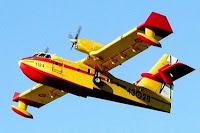 hidroavión en vuelo