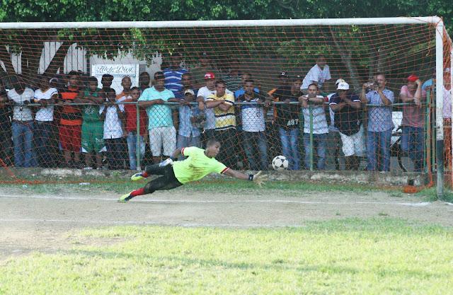 Deportistas gana a José Horacio en penales y jugará la final del Fútbol de Espaillat