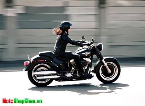 Phụ nữ chạy xe máy cảm thấy hạnh phúc, quyến rũ và tự tin hơn số còn lại.
