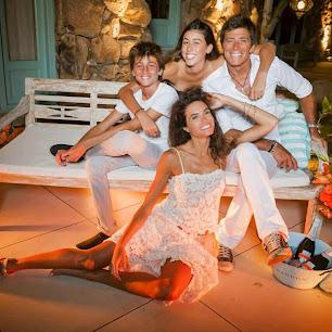 Nicolás Repetto y su mujer, Florencia Raggi en familia. Fiesta Chandon de blanco 2015.
