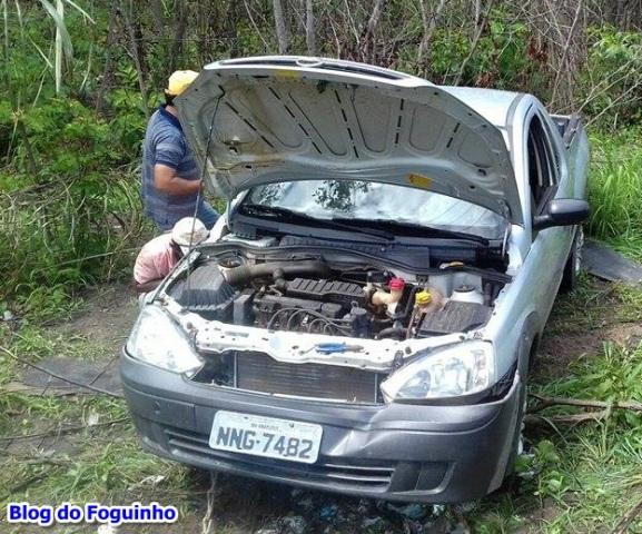"""Motorista tenta desviar de """"cobra"""" na pista e sofre acidente na MA-230 próximo Anapurus."""
