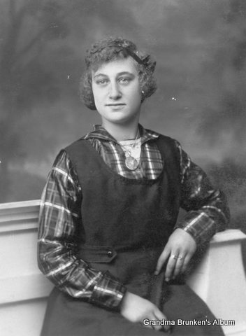 Frieda Ida Petersen - 1915