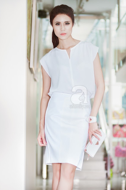 Mặc white-on-white tới công sở