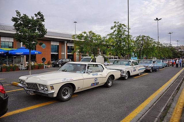 İzmir, klasik otomobilelri ağırladı.