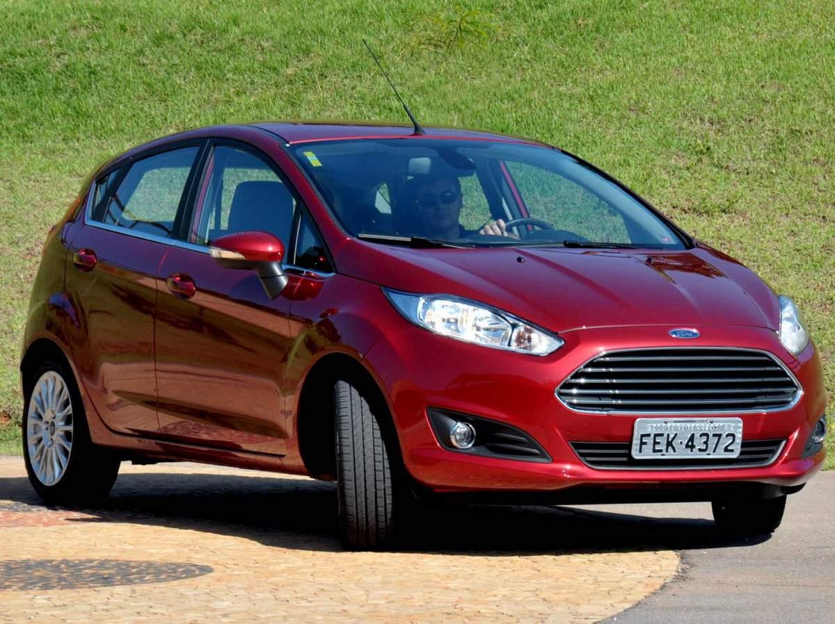 Ford New Fiesta 2015 - líder entre os compactos com motor acima de 1.0