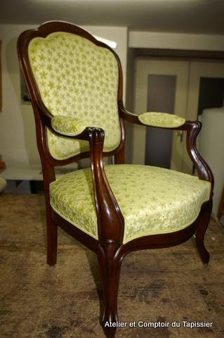 atelier et comptoir du tapissier fauteuils louis philippe. Black Bedroom Furniture Sets. Home Design Ideas