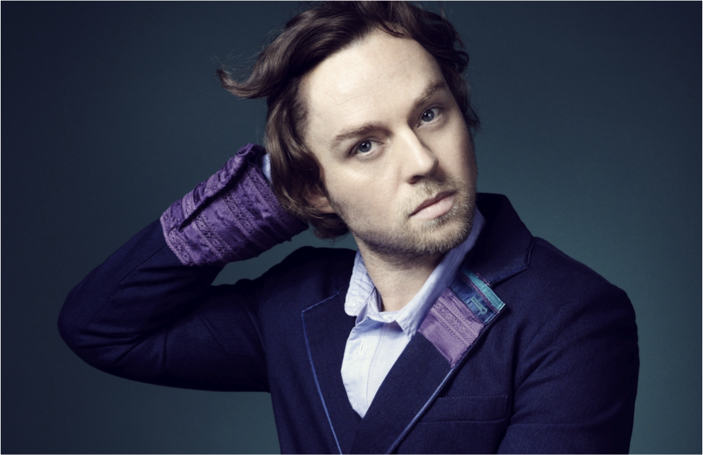 Darren Hayes has created a very special e-card that you can personalise and ...