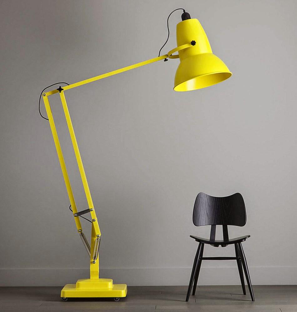 duża żółta lampa