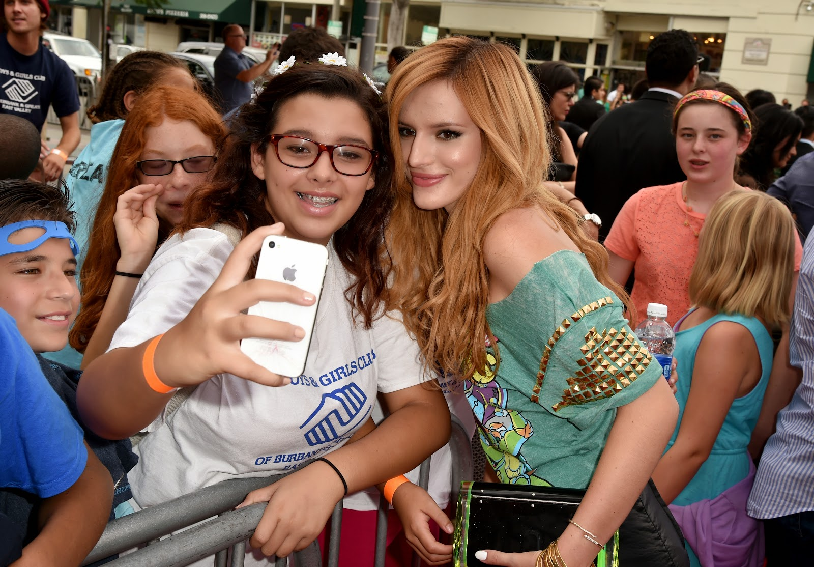 Bella Thorne HD Pictures | Wallpapers of Bella Thorne