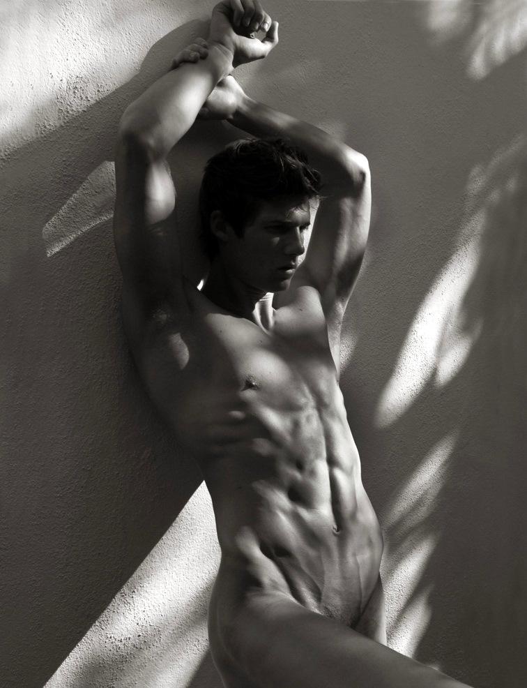 Черно Белое Фото Обнаженных Мужчин