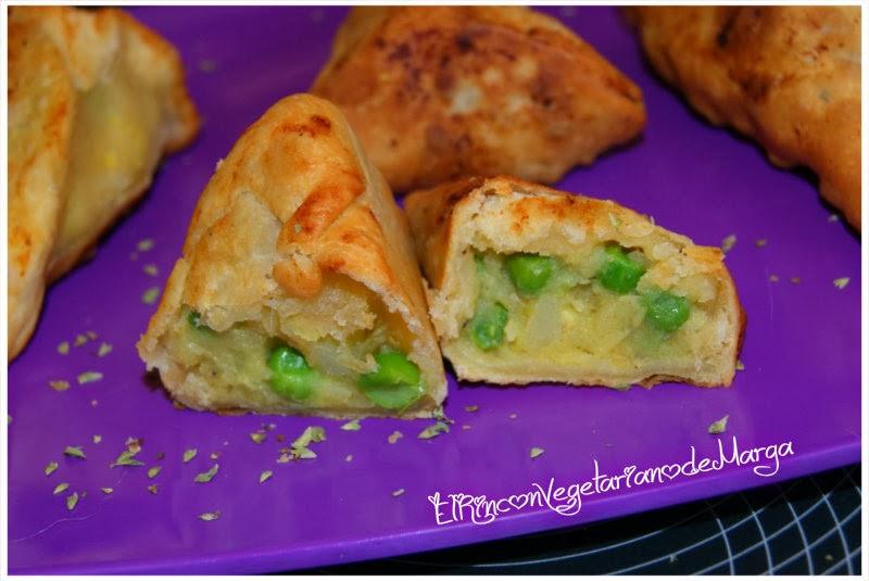 Samosas indias de patata y guisantes
