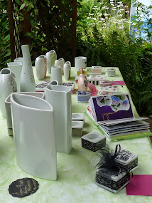 ART AU JARDIN le week end du 31 Mai et du 1er Juin. Expo de porcelaines et de peintures au jardin