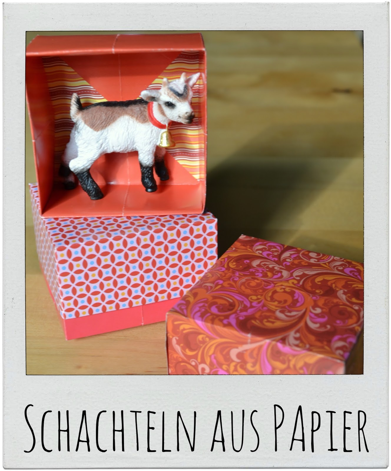 http://gemachtesundgedachtes.blogspot.de/2014/08/DIY-selbstgemachte-papierschachteln-falten.html