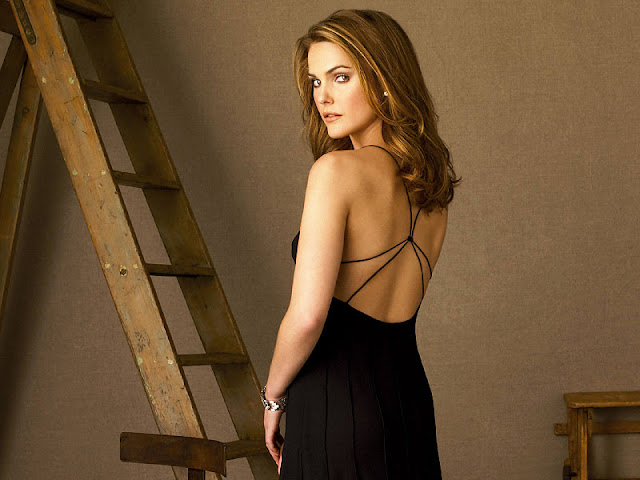 Keri Russell sexy in black dress