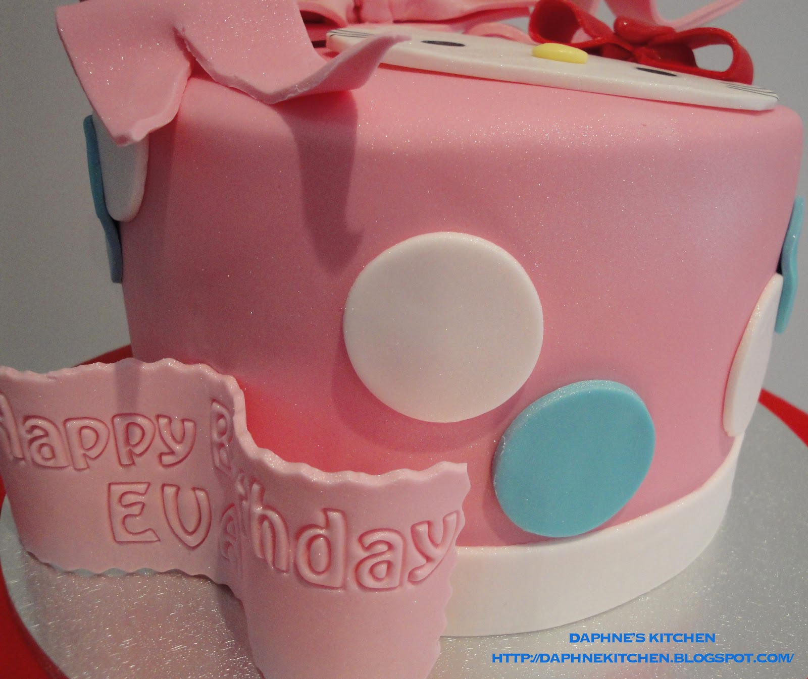 Daphnes Kitchen Hello Kitty Cake