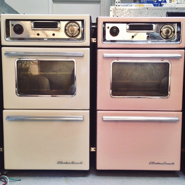 #thriftscorethursday Week 59 | Instagram user: myfriendstaci shows off this Vintage Pastel Wall Ovens