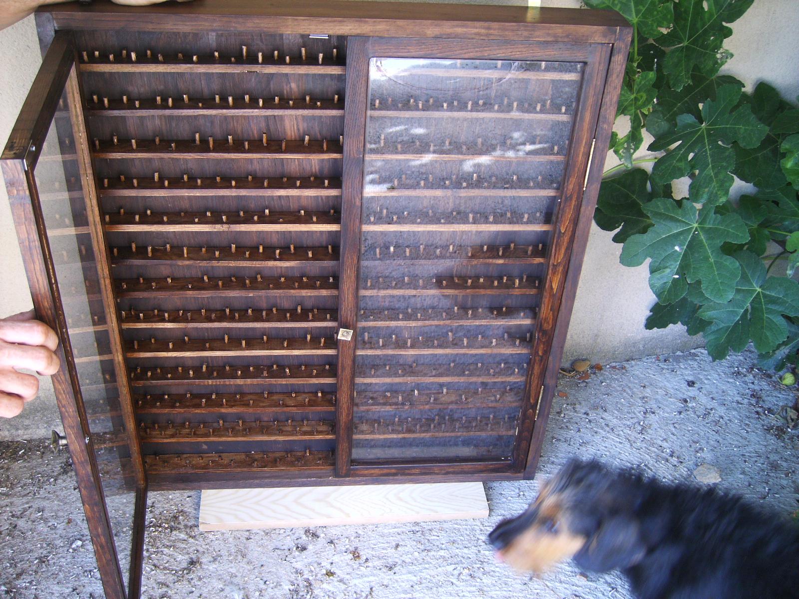 Artesan a tope y cu a mueble para coleccionistas - Estanterias para dedales ...