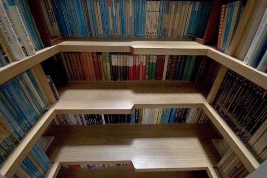 Regal und Treppe - Stauraum en masse