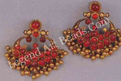 VISIRIMURUGU (fan-shaped earrings) South India 19th century such earrings were worn in the scapha of the ear.