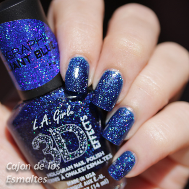 L.A. Girl 3D effects - Brilliant Blue - 2 capas + topcoat al Sol