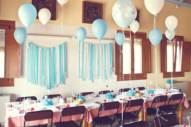 decoración salón de bautizo en azul