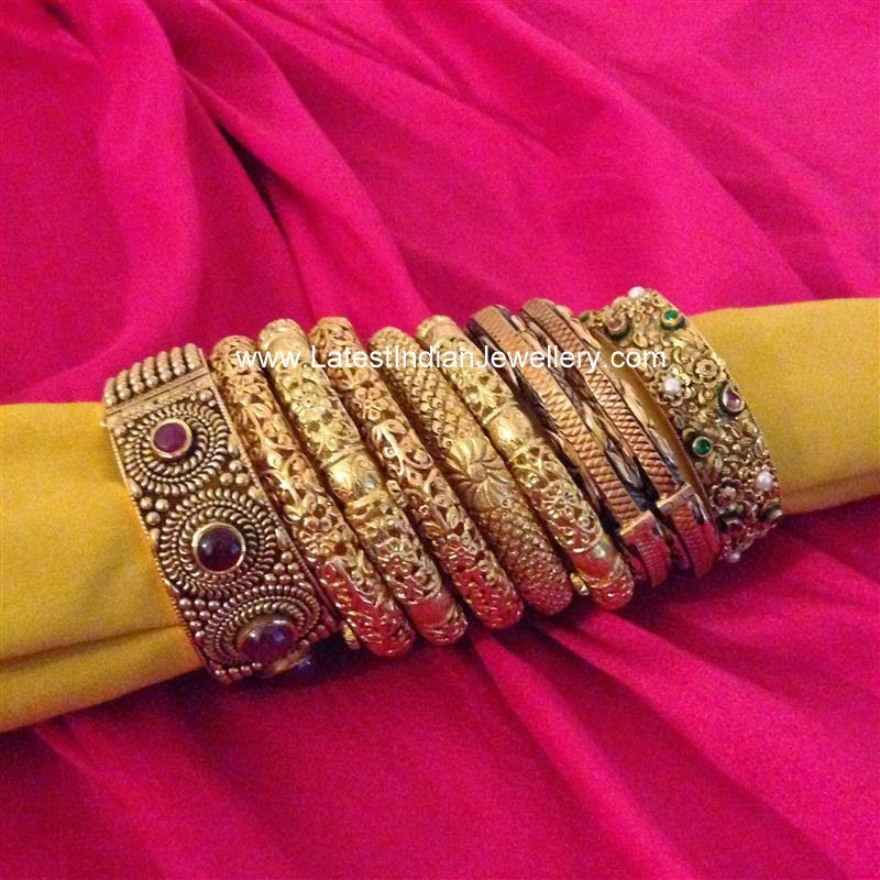 Antique Gold Bangles Designs