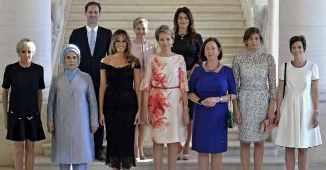 Ipostază ridicolă la cele mai înalte cote: Soțul premierului homosexual al Luxemburgului, la poza..