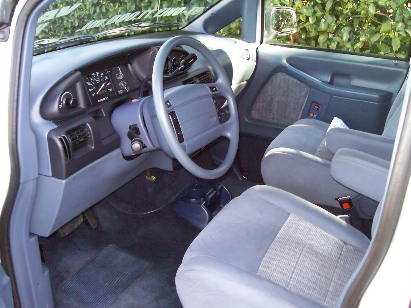 Ford Aerostar Camper Conversion >> Get last automotive article 2015 Lincoln MKC makes its first appearance