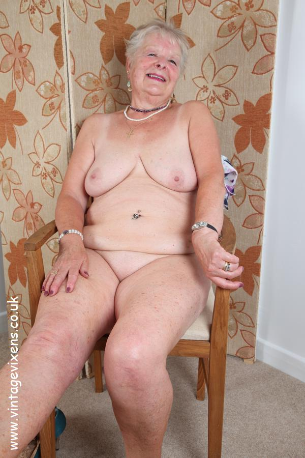 Naked amature stripper video