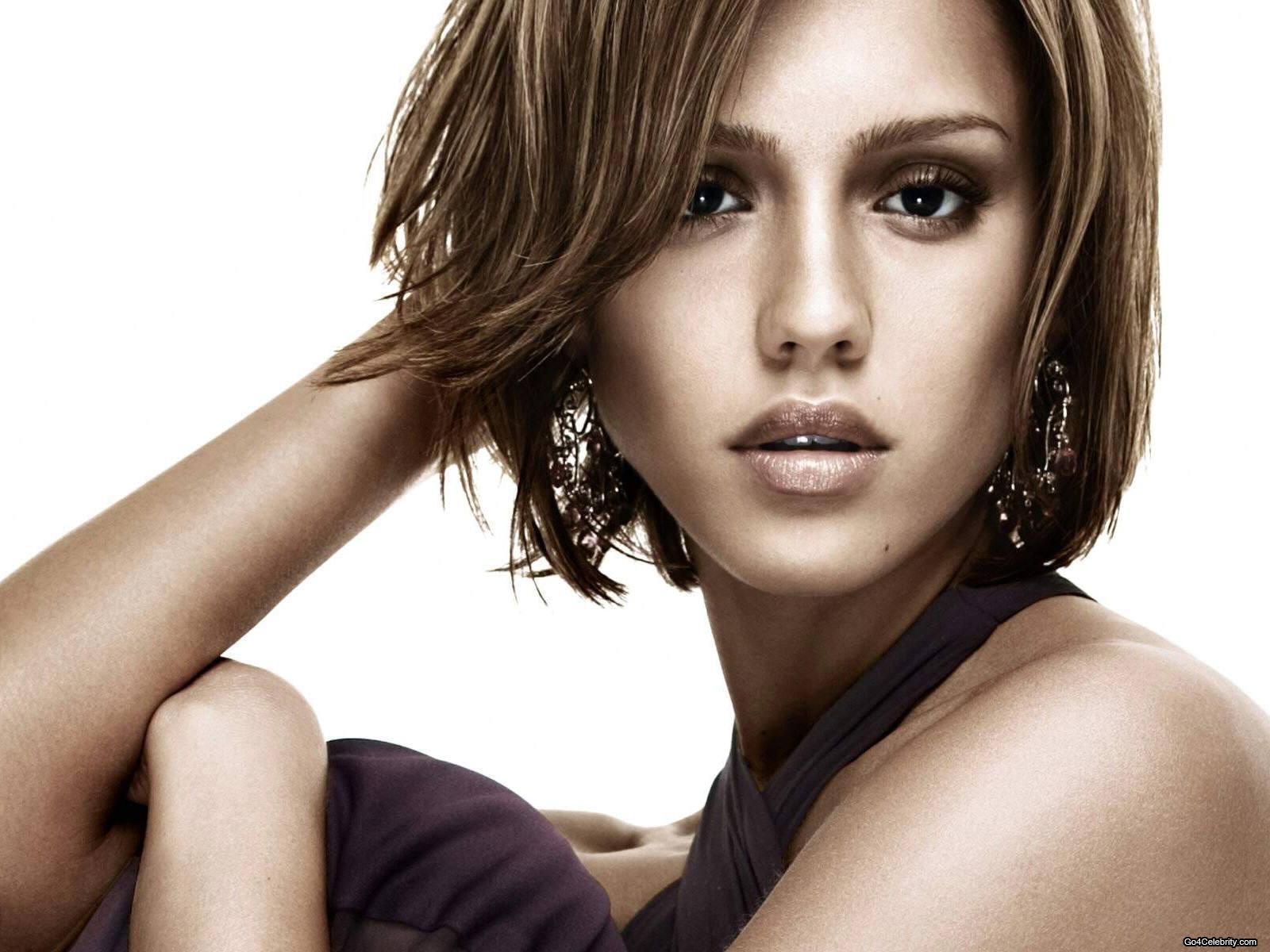 http://2.bp.blogspot.com/-XHuMiE5MMks/T_Gom9kTzlI/AAAAAAAAArM/rA-8-RIj164/s1600/70-Jessica-Alba.jpg
