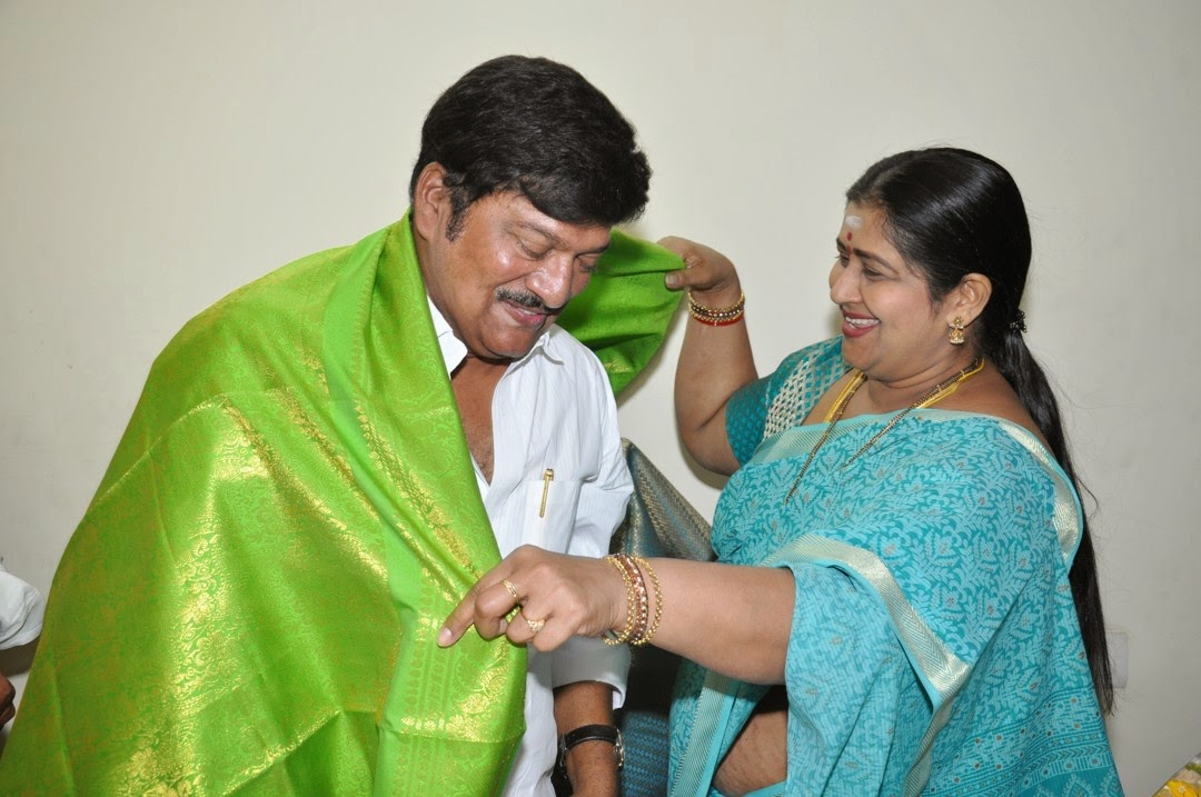 Maa President Rajendra Prasad Felicated by Tammineni and Others-HQ-Photo-3