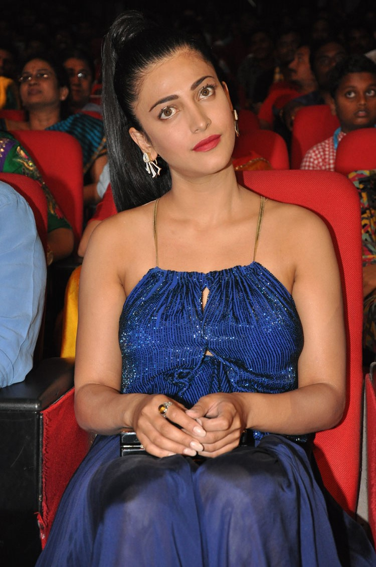 Shruti Hasan HD Stills at Srimanthudu Audio Release