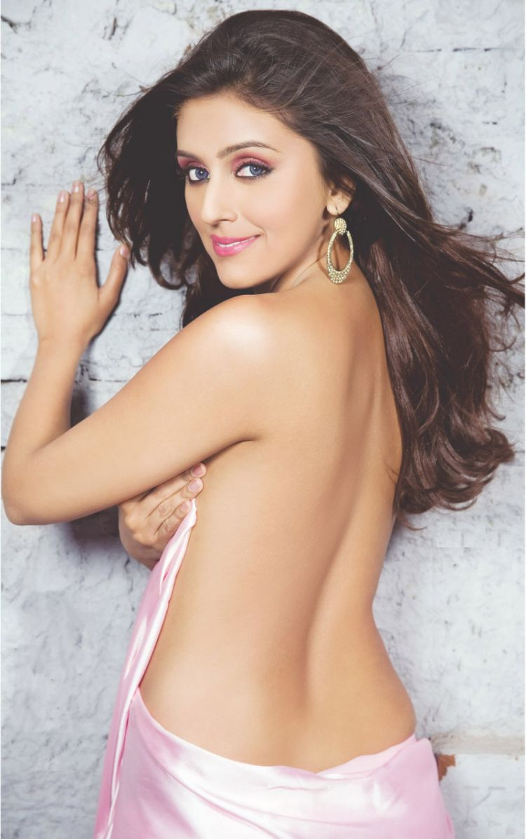 sab hot actress aarti chabaria hot in topless and backless