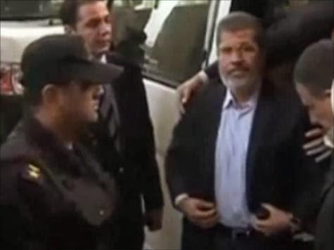 تأجيل محاكمة مرسي بسبب الطقس