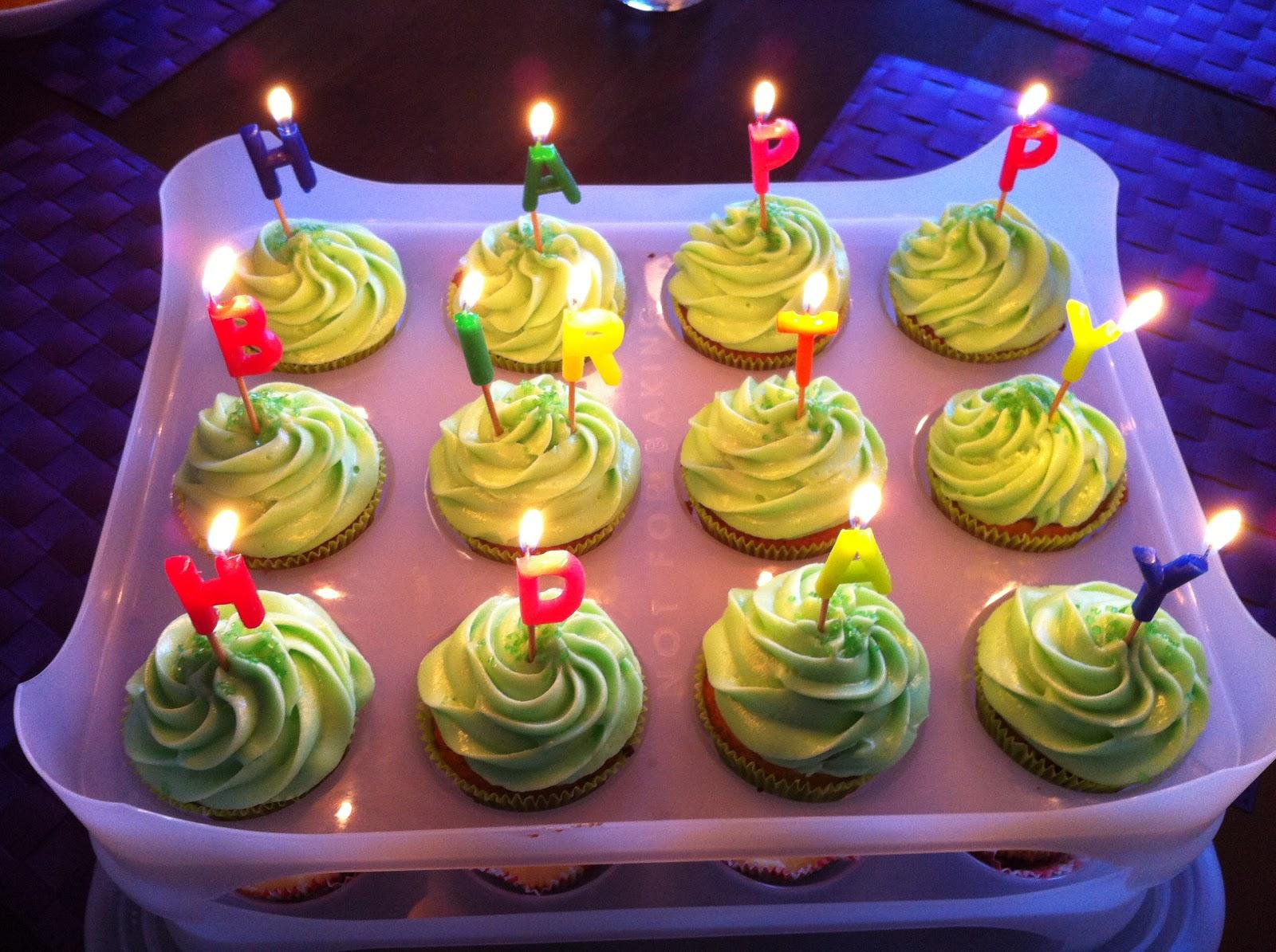 Dancing Cupcakes: Pistazien-Cupcakes mit Limettencreme!