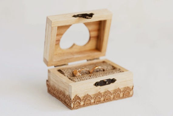 https://www.etsy.com/listing/180886867/wooden-wedding-box-with-a-beige-lace?ref=favs_view_3