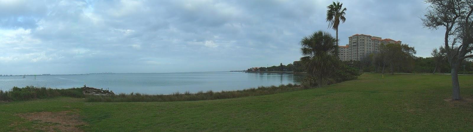 Vista de Sarasota Bay desde el Centennial Park