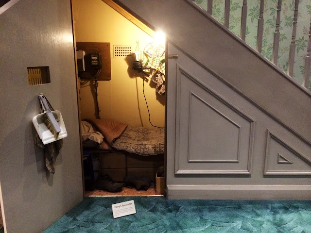 The Making of Harry Potter - Cupboard Under The Stairs