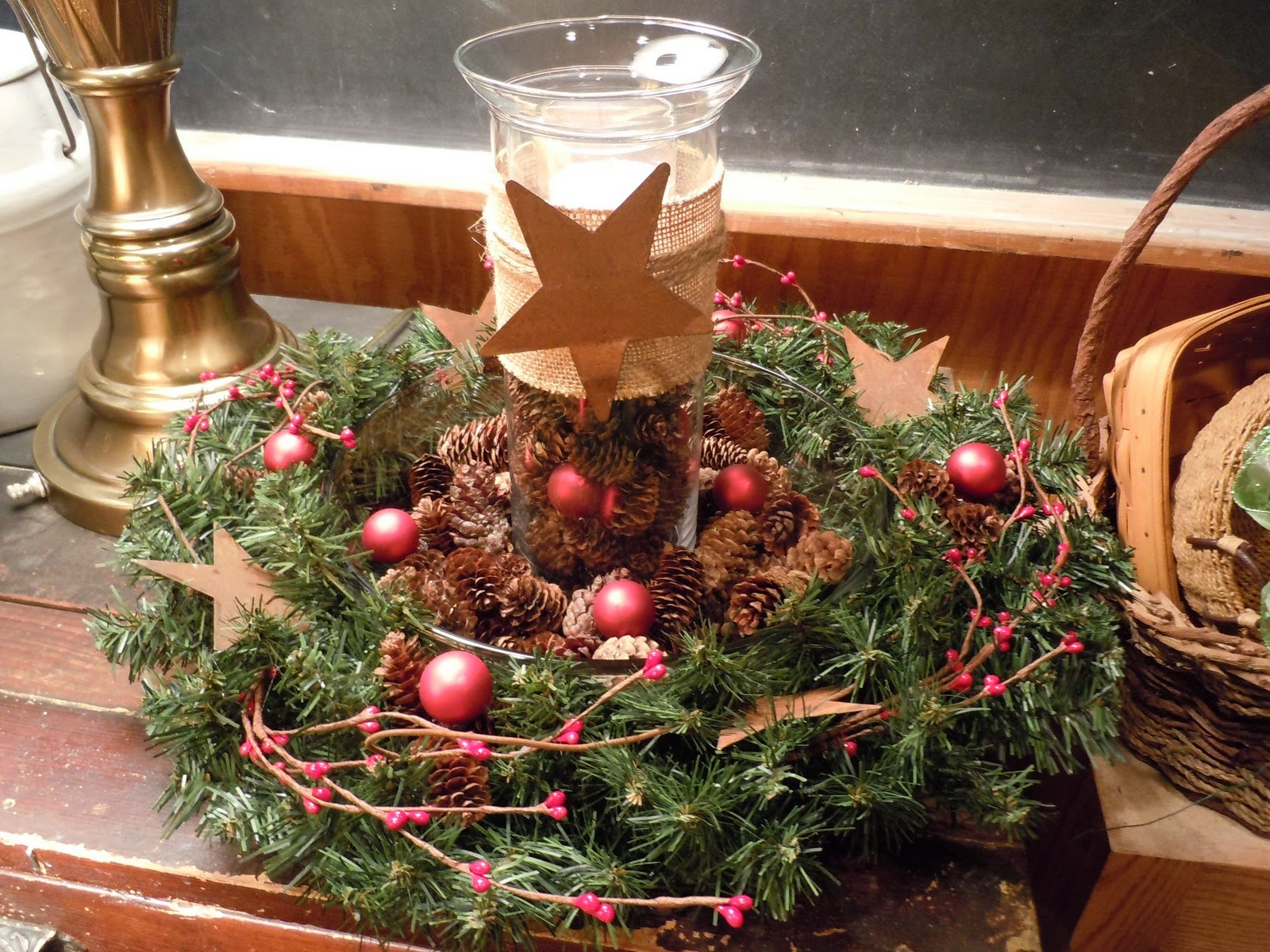 Kitchen Table Christmas Centerpieces Kitchen Table Christmas Centerpieces Natural Welcome Best Place