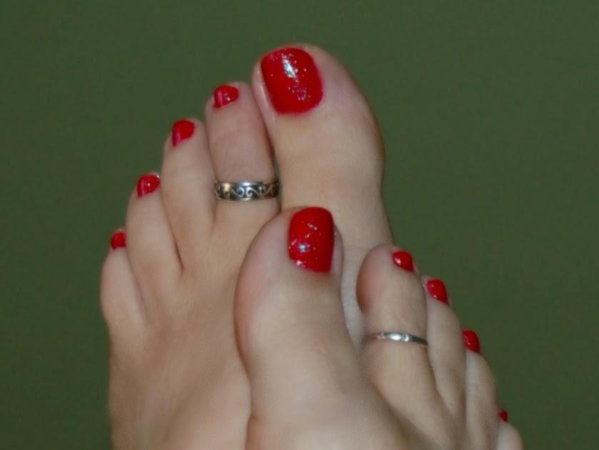 mindy main feet