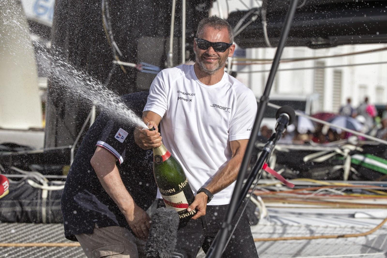 Yann Guichard 2e de la Route du Rhum avecSpindrift 2. Champagne !