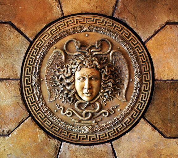 Theoi Greek Mythology. Explorando la Mitología en la Literatura y el Arte Clásicos