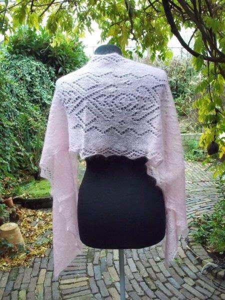 TE KOOP :ROZE shawl :wol met zijde.